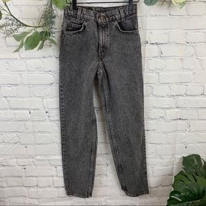 Vintage Levis 90's Style washed black mom jeans